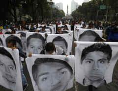 Una manifestación en Ciudad de México por al desaparición de 43 estudiantes desaparecidos en Ayotzinapa.