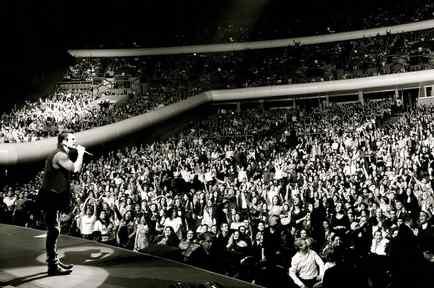 ricardo arjona en concierto gira VIAJE