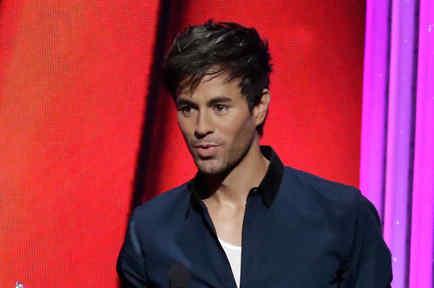Enrique Iglesias en los Billboard Latin Music Awards 2015