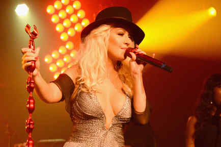 Christina Aguilera cantando en los Hamptons 2015