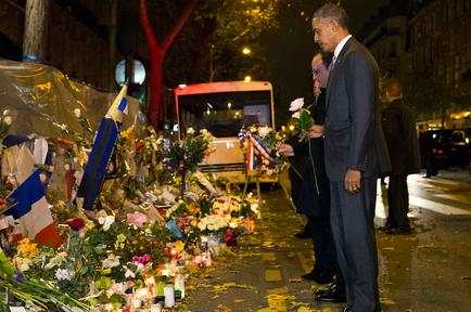 El presidente Barack Obama, a la derecha, y el mandatario francés Francois Holande