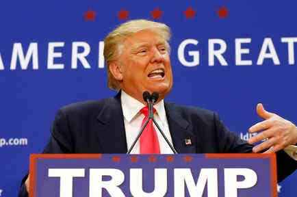 El precandidato presidencial republicano Donald Trump durante un acto de campaña en el Great Bay Community College el jueves 4 de febrero de 2016 en Portsmouth, New Hampshire.