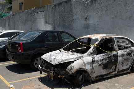 Vehículo calcinado del embajador de Grecia en Brasil
