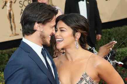 Gina Rodriguez and Boyfriend Joe Locicero Looked Totally Smitten at the Sag Awards