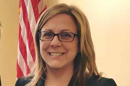 La legisladora demócrata Michelle DuBois, de Massachussets