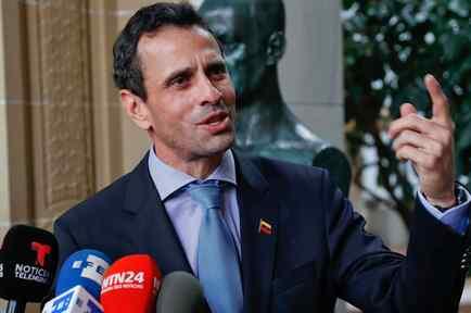 Henrique Capriles, líder de la oposición en Venezuela, en rueda de prensa en la sede de la OEA en Washington