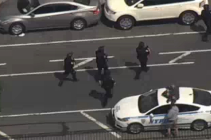 Policías en las inmediaciones del Bronx Lebanon Hospital