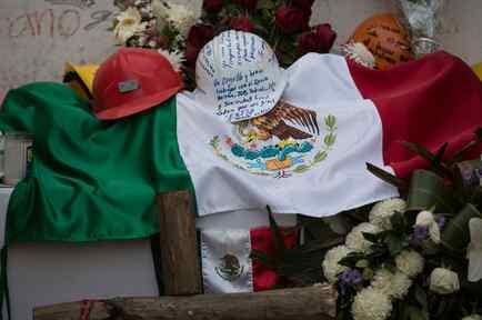 Muestras de agradecimiento a los que participan en las labores de rescate en las zonas afectadas por sismos en México