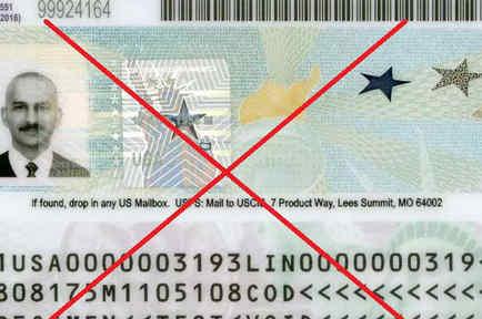 Foto de archivo de una tarjeta de residencia o 'green card'