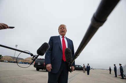Donald TrumpTrump habla con periodistas hoy en la base aérea Andrews.