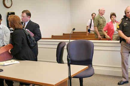 Foto de archivo de un inmigrante indocumentado que admitió, en la corte de Jaffrey, New Hampshire, haber entrado ilegalmente a EEUU