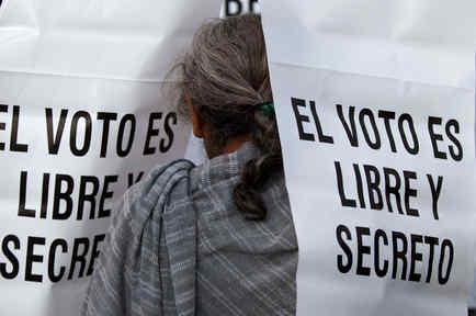 Un cartel que demanda el voto seguro en México