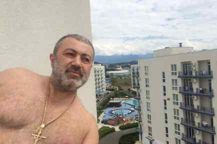Hermanas rusas matan a padre mafioso