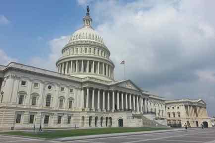 Los demócratas, que controlan la Cámara de Representantes, estudian una denuncia anónima para determinar si inician o no juicio político contra Trump