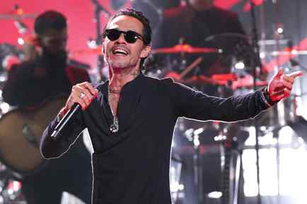 Marc Anthony performs at the Latin AMAs