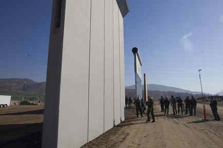 Muro en la frontera entre México y EEUU en una imagen de archivo