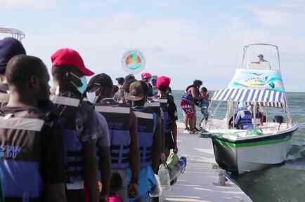 Miles de migrantes varados en un pueblo de Colombia