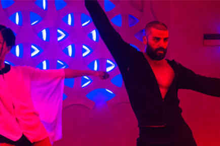 """El baile de Oscar Isaac en """"Ex Machina"""" está causando sensación en las redes"""