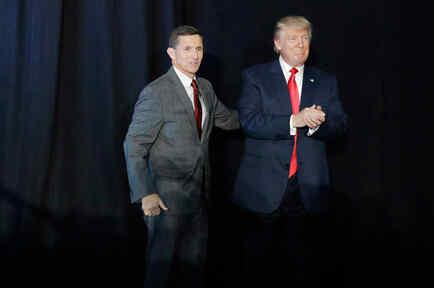 Donald Trump y Mike Flynn en un evento de campaña en New Hampshire en Septiembre del 2016