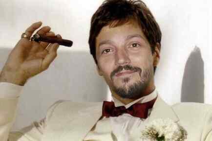 Diego Luna como Tony Montana