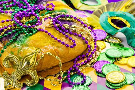 Pastel, máscaras y collares de Mardi Gras