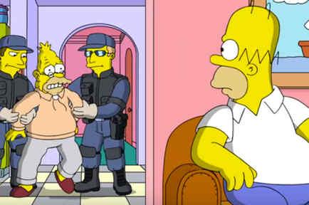 En la imagen el padre de Homero Simpson es detenido por supuestos agentes de ICE