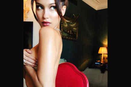 Bella Hadid desnuda