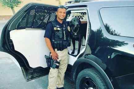 El oficial Ronil Singh, asesinado el 26 de diciembre, y su perro policía