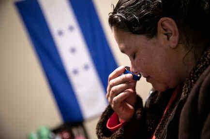 Inmigrantes enfermos se aíslan en sus casas