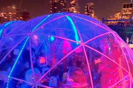 Los iglús, la última moda para las fiestas en las terrazas.