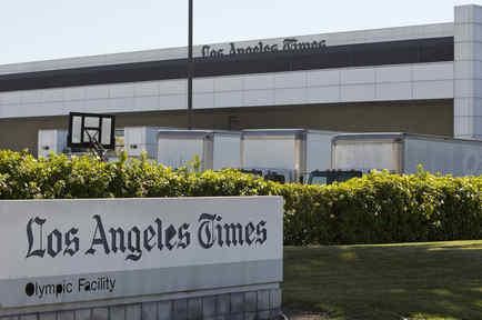 Entrada de las oficinas de Los Angeles Times.