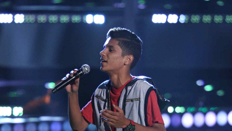 Jersen Ruiz canta en la voz kids