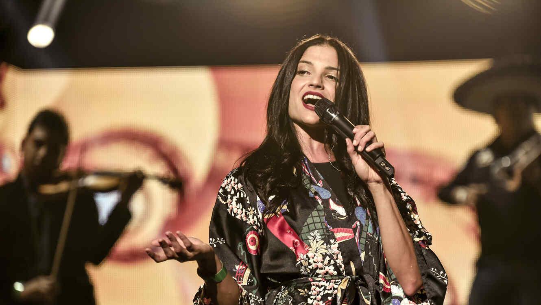 Natalia Jimenez, ensayos, premios billboard