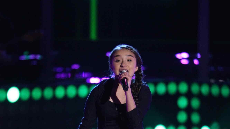 Maria teresa canta en la voz kids