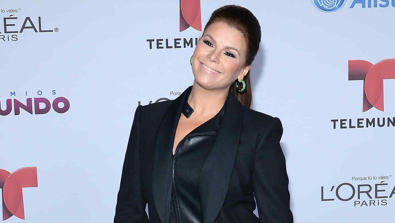 Olga Tañon Telemundo's Premios Tu Mundo Awards 2014 - Arrivals
