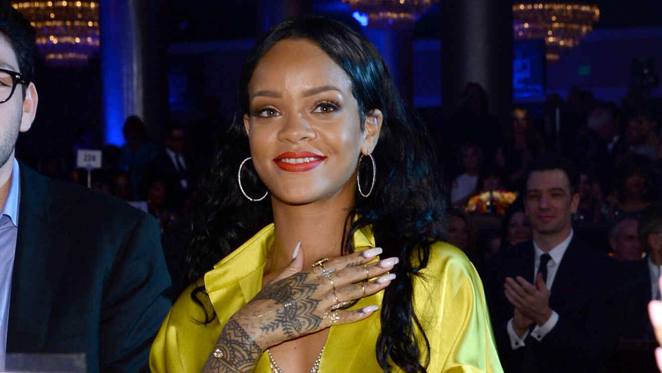 Rihanna en el Pre-GRAMMY Gala And Salute To Industry Icons Honoring  Lucian Grainge - Show