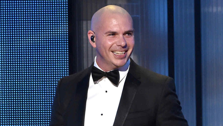 Pitbull en los premios American Music Awards del 2014