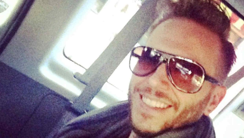 Noel Scharjis se sacó un selfie mientras que estaba en promoción
