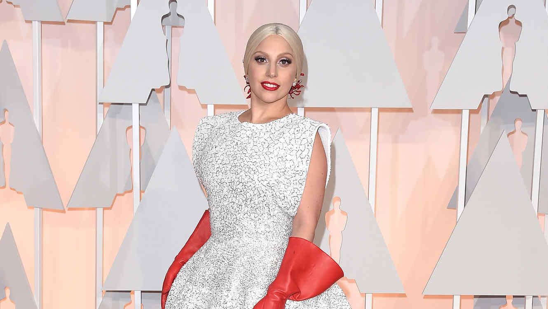Lady Gaga en la alfombra de los Academy Awards Oscars