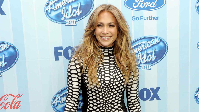 Jennifer Lopez en la alfombra de American Idol