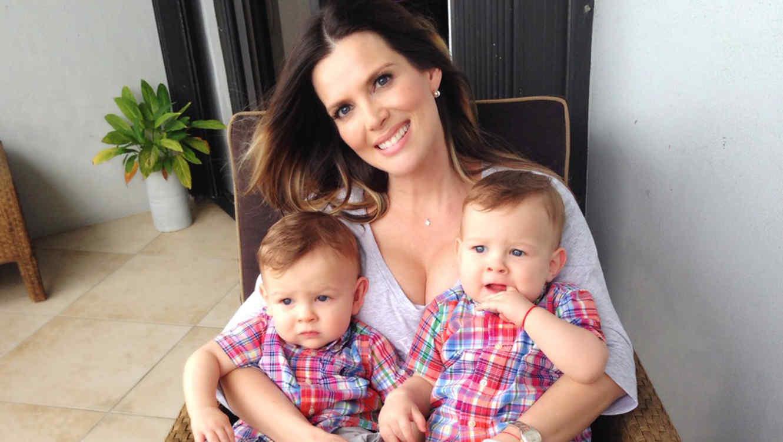 maritza rodriguez en casa con sus gemelos