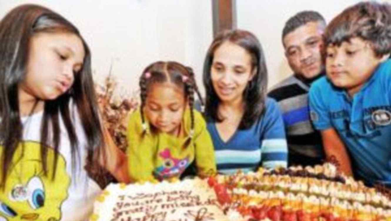 Celeste Nurse y su familia celebran el cumpleaños de Zephany