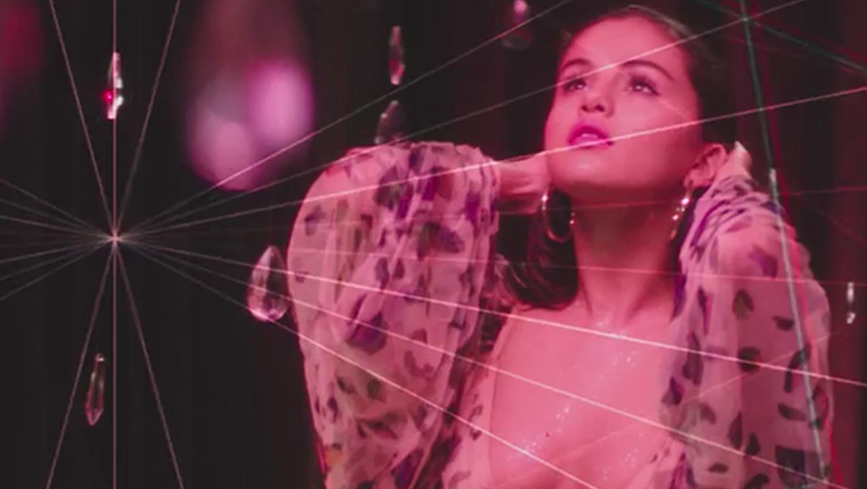Selena Gomez en el video I want you to know