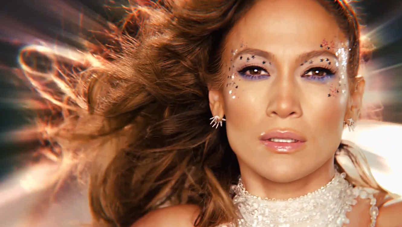 """Jennifer Lopez en el video oficial """"Feel the Light"""""""