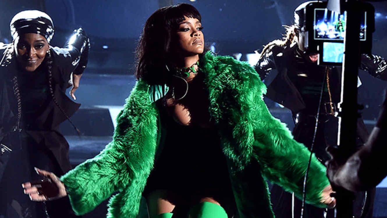 Rihanna en los premios iHeartRadio 2015