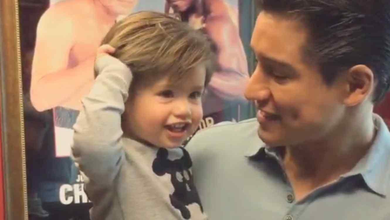 Mario Lopez y su hijo en Instagram
