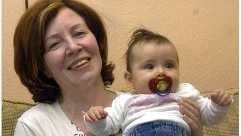 Annegret Raunigk con su hija