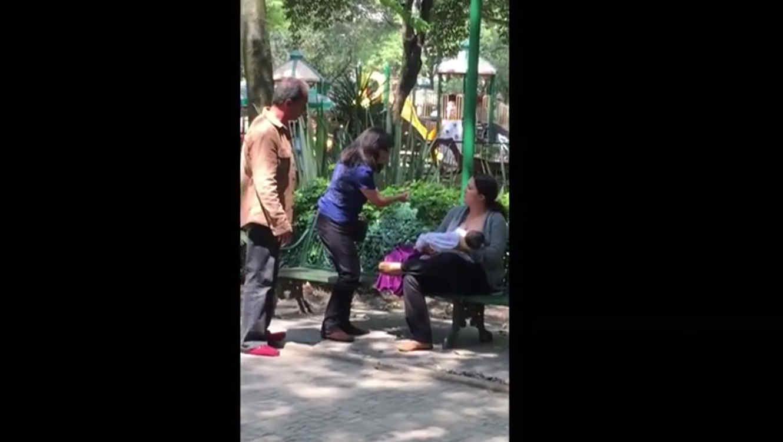 Pareja acusa mujer de exhibicionista por amamantar en un parque público