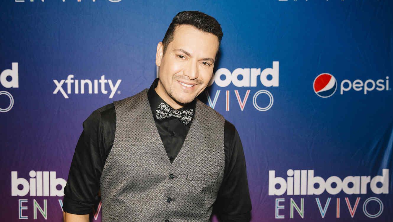 Victor Manuelle en la alfombra de Billboard en Vivo en Texas