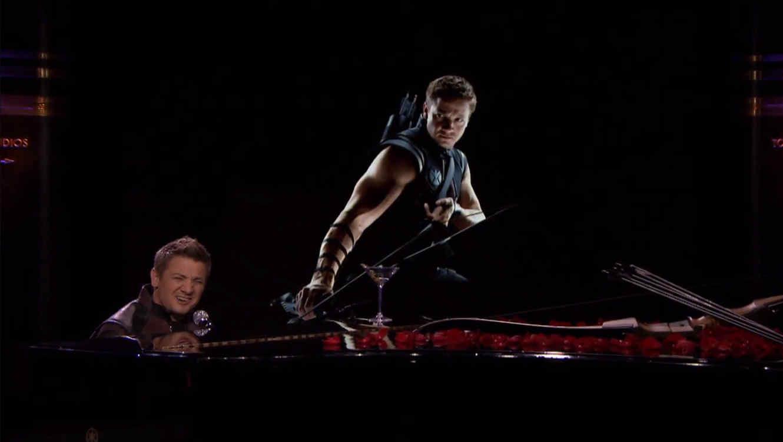Jeremy Renner hace una parodia de la canción 'Thinking Out Loud' de  Ed Sheeran's